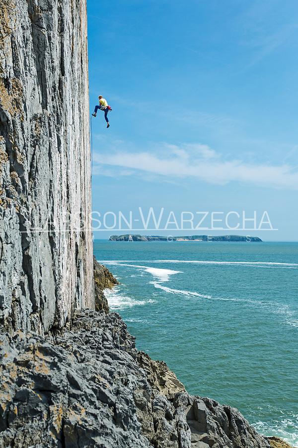 Tom Livingstone on/off 'The Great White' E7 6c, White Tower, Pembroke