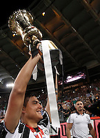 Calcio, finale Tim Cup: Milan vs Juventus. Roma, stadio Olimpico, 21 maggio 2016.<br /> Juventus' Paulo Dybala holds up the trophy at the end of the Italian Cup final football match between AC Milan and Juventus at Rome's Olympic stadium, 21 May 2016. Juventus won 1-0 in the extra time.<br /> UPDATE IMAGES PRESS/Isabella Bonotto