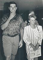 1992 FILE PHOTO - ARCHIVES -<br /> <br /> 1992 FILE -<br /> <br /> Rypien, Mark (L)<br /> Argos romance super bowl star. Boatmen trounce B.C. Lions 61-20 SPORTS Section<br /> <br /> PHOTO :<br /> Bull, Ron<br /> <br /> PHOTO : Ron BULL - Toronto Star Archives - AQP