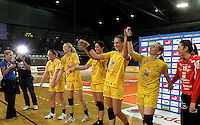 """1. Bundesliga Handball Damen - Frauen Handball BL DHB - Arena Leipzig - HC Leipzig : TSV Bayer 04 Leverkusen """"Handballelfen"""" - im Bild: Jubel nach dem Kantersieg gegen die Leverkusenerinnen . Foto: Norman Rembarz..Norman Rembarz , Autorennummer 41043728 , Augustenstrt. 2, 04317 Leipzig, Tel.: 01794887569, Hypovereinsbank: BLZ: 86020086, KN: 357889472, St.Nr.: 231/261/06432 - Jegliche kommerzielle Nutzung ist honorar- und mehrwertsteuerpflichtig! Persönlichkeitsrechte sind zu wahren. Es wird keine Haftung übernommen bei Verletzung von Rechten Dritter. Autoren-Nennung gem. §13 UrhGes. wird verlangt. Weitergabe an Dritte nur nach  vorheriger Absprache.."""