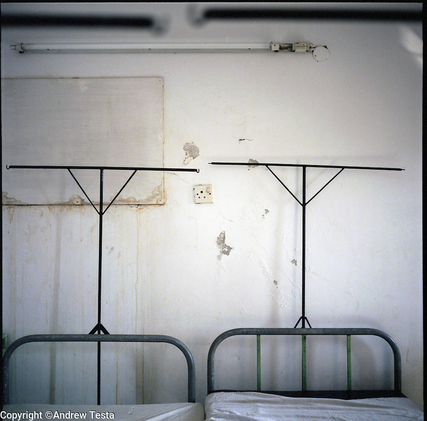 BANGLADESH. Dhaka. June 2005..Ward in the Acid Survivors Foundation Hospital in Dhaka..©Andrew Testa