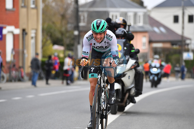Ide Schelling (NED) Bora-Hansgrohe makes a big effort to escape from the peloton and cross over to the leaders during the 2021 Brabantse Pijl running 201.7km from Leuven to Overijse, Belgium. 14th April 2021.  <br /> Picture: Serge Waldbillig | Cyclefile<br /> <br /> All photos usage must carry mandatory copyright credit (© Cyclefile | Serge Waldbillig)