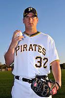 Feb 28, 2010; Bradenton, FL, USA; Pittsburgh Pirates  pitcher Brad Lincoln (32) during  photoday at Pirate City. Mandatory Credit: Tomasso De Rosa/ Four Seam Images