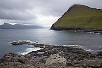 Küste bei Gjógv, Gjov, Gjogv, Ort, Ortschaft, Stadt, an der Nordostküste Eysturoys, Färöer, Färöer-Inseln, Färöer Inseln, Faroe, Faeroe Islands, Les Îles Féroé, Nordatlantik, Atlantik, Atlantischer Ozean