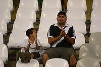 RIO DE JANEIRO, RJ, 19 AGOSTO 2012 - FLAMENGO X VASCO- Torcedores do Vasco durante o jogo Flamengo x Vasco, valido pela 18 rodada do Campeonato Brasileiro no Estaio Joao Havelange, Engenhao, neste domingo, 19, na zona norte do Rio de Janeiro.(FOTO:MARCELO FONSECA / BRAZIL PHOTO PRESS).