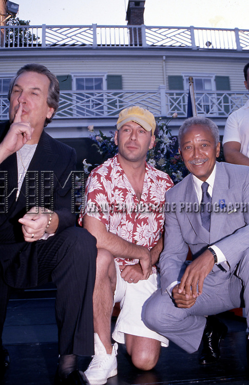 Danny Aiello, Bruce Willis and Mayor David Dinkins attend the Crystal Apple Awards at Gracie Mansion on June 11, 1997 in New York City.