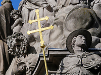 barocke Dreifaltigkeitssäule- sv.Trojica-Pestsäule auf Stephnansplatz, Kremnica, Banskobystricky kraj, Slowakei, Europa<br /> Stephan's square with baroque plag culumn Holy Trinity Kremnica, Banskobystricky kraj, Slovakia, Europe