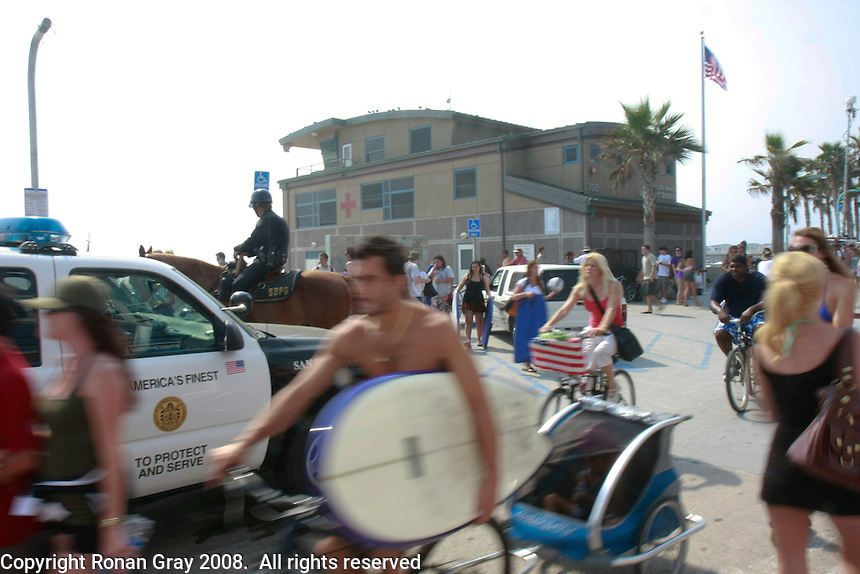 Fog persisted through much of the fourth of July holiday at Pacific Beach and Mission Beach in San Diego, CA, 2008.  There was some relief in the early afternoon before it came back onshore.