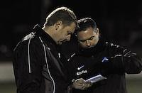 Club Brugge Vrouwen - PSV Eindhoven :<br /> <br /> Trainer Dieter Lauwers (L) stelt tactisch bij met T2 , Karel Gobert (R)<br /> <br /> foto Dirk Vuylsteke / Nikonpro.be