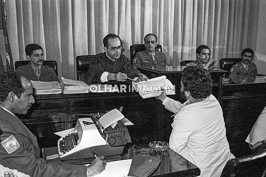 Lula depondo na justiça militar. São Paulo. 1980. Foto Edu Simões