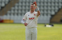 Peter Siddle of Essex prepares to bowl during Worcestershire CCC vs Essex CCC, LV Insurance County Championship Group 1 Cricket at New Road on 30th April 2021