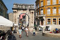 - arco romano dei Sergi ....- roman arc of the Sergi