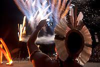 IV Jogos Tradicionais Indígenas do ParáIndígenas  Kayapó aprendem standup com surfistas nas águas de Maruda, Quinza etnias participam dos  IX Jogos Indígenas, iniciados neste na íntima sexta feira. Aikewara (de São Domingos do Capim), Araweté (de Altamira), Assurini do Tocantins (de Tucuruí), Assurini do Xingu (de Altamira), Gavião Kiykatejê (de Bom Jesus do Tocantins), Gavião Parkatejê (de Bom Jesus do Tocantins), Guarani (de Jacundá), Kayapó (de Tucumã), Munduruku (de Jacareacanga), Parakanã (de Altamira), Tembé (de Paragominas), Xikrin (de Ourilândia do Norte), Wai Wai (de Oriximiná). Participam ainda as etnias convidadas - Pataxó (da Bahia) e Xerente (do Tocantins). Mais de 3 mil pessoas lotaram as arquibancadas da arena de competição.Praia de Marudá, Marapanim, Pará, Brasil.Foto Paulo Santos05/09/2014