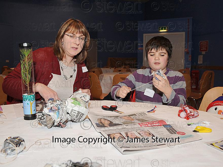 14/12/2010   Copyright  Pic : Lisa Ferguson / JSP.002_christmas_seminar_2010  .::  FALKIRK COUNCIL ::  LITTER STRATEGY :: CHRISTMAS SEMINAR 2010 :: CHRISTMAS DECORATIONS ARE MADE FROM LITTER ::.