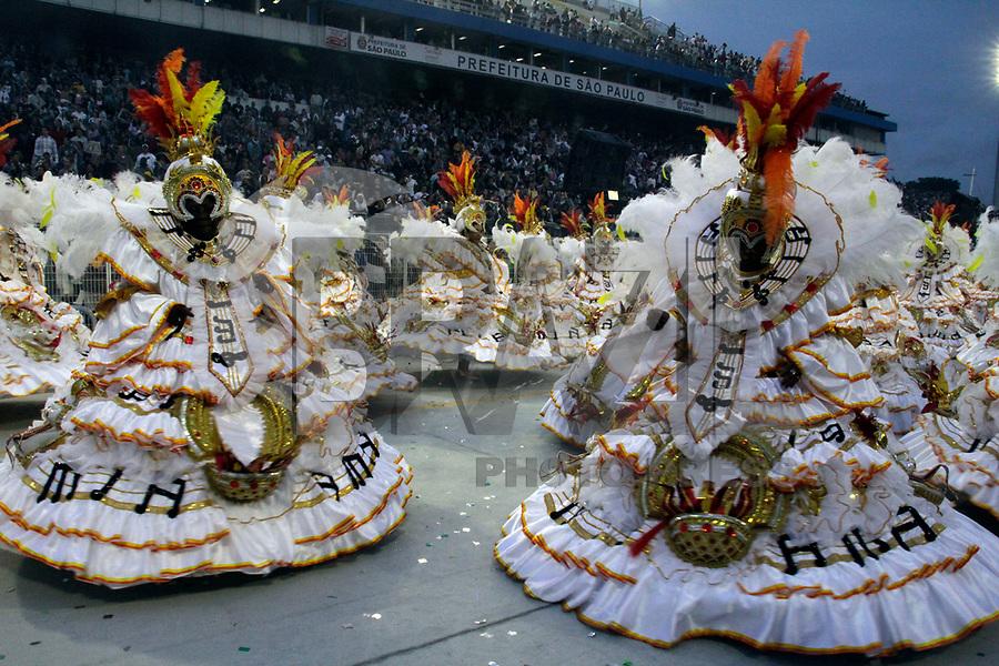SÃO PAULO, SP, 04 DE MARÇO DE 2011 - CARNAVAL 2011 - Desfile da Vai - Vai primeiro dia dos desfiles das escolas do Grupo Especial de São Paulo, no Sambódromo do Anhembi, zona norte da capital paulista, nesta sexta-feira. (FOTO: ALE VIANNA / NEWS FREE).