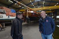 ZEILSPORT: IJLST: Meting SKS Skûtsjes, Jeroen Veenema (rechts), ©foto Martin de Jong
