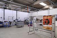 - i capannoni vuoti della fabbrica Maflow di Trezzano sul Naviglio (Milano),  occupata dai lavoratori dopo che la proprietà ha portato via tutti i macchinari per delocalizzare la produzione<br /> <br /> - the empty sheds of the  Maflow factory in Trezzano sul Naviglio (Milan), occupied by workers after the property has taken away all the machinery to relocate production