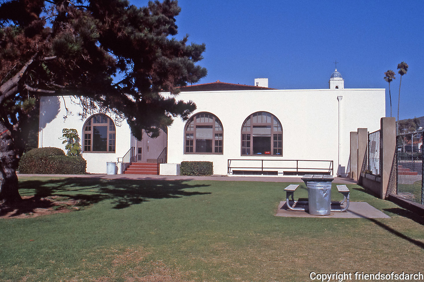 Irving Gill: La Jolla Recreation Center, 615 Prospect St.  A gift from Ellen Browning Scripps to the City of San Diego. July 3, 1915. Photo 1999