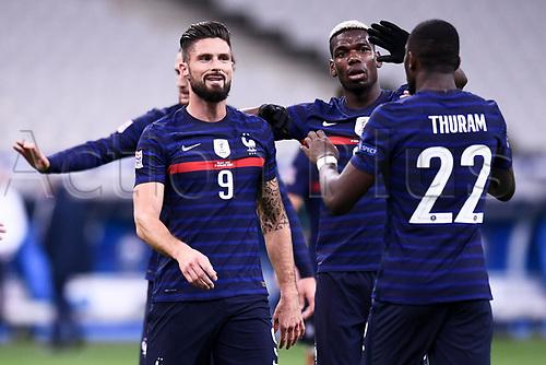 17th November 2020; Stade de France, Paris,  France; UEFA National League international football, France versus Sweden;  JOIE - FAIR PLAY - 09 OLIVIER GIROUD (FRA) - 06 PAUL POGBA (FRA)