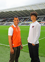 Pictured: Michel Vorm and Ki Sung Yueng<br /> Re: Swansea City FC squad photo-shoot at the Liberty Stadium, south Wales.