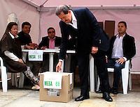 BOGOTA -COLOMBIA. 25-05-2014. Angelino Garzon. Elecciones para presidente de la Republica de Colombia periodos 2014-2018.   /   Elections for President of the Republic of Colombia from 2014 to 2018 periods.. Photo: VizzorImage/ Felipe Caicedo