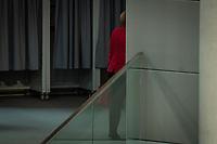2. Sitzung des Deutschen Bundestag am Dienstag den 21. November 2017.<br /> Im Bild: Bundeskanzlerin Angela Merkel verlaesst die Sitzung.<br /> 21.11.2017, Berlin<br /> Copyright: Christian-Ditsch.de<br /> [Inhaltsveraendernde Manipulation des Fotos nur nach ausdruecklicher Genehmigung des Fotografen. Vereinbarungen ueber Abtretung von Persoenlichkeitsrechten/Model Release der abgebildeten Person/Personen liegen nicht vor. NO MODEL RELEASE! Nur fuer Redaktionelle Zwecke. Don't publish without copyright Christian-Ditsch.de, Veroeffentlichung nur mit Fotografennennung, sowie gegen Honorar, MwSt. und Beleg. Konto: I N G - D i B a, IBAN DE58500105175400192269, BIC INGDDEFFXXX, Kontakt: post@christian-ditsch.de<br /> Bei der Bearbeitung der Dateiinformationen darf die Urheberkennzeichnung in den EXIF- und  IPTC-Daten nicht entfernt werden, diese sind in digitalen Medien nach §95c UrhG rechtlich geschuetzt. Der Urhebervermerk wird gemaess §13 UrhG verlangt.]