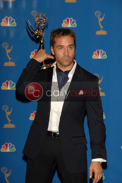 Jeremy Piven<br />in the Press Room at the 58th Annual Primetime Emmy Awards. The Shrine Auditorium, Los Angeles, CA. 08-27-06<br />Scott Kirkland/DailyCeleb.com 818-249-4998