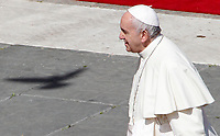 Pope Francis leaves at the end of the Palm Sunday Mass in St. Peter's Square at the Vatican, March 25, 2018.<br /> UPDATE IMAGES PRESS/Riccardo De Luca<br /> <br /> STRICTLY ONLY FOR EDITORIAL USE