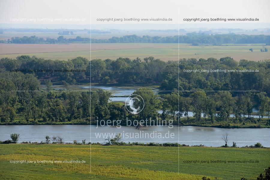 USA, Nebraska, Omaha Reservation, Omaha Iland at Missouri river , view to corn and soybean fields in Iowa