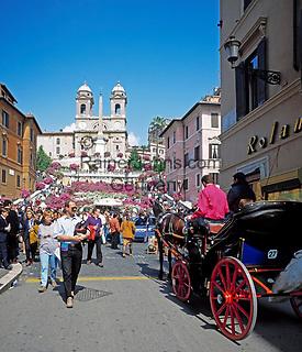 ITA, Italien, Lazio, Rom: Via Condotti, Spanische Treppe und Kirche Trinita dei Monti   ITA, Italy, Lazio, Rome: Via Condotti, Spanish Steps and church Trinita dei Monti