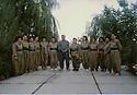 Iraq 1996 In Qala Tchwalan,first meeting of women  with Jalal Talabani to make a unit of women pehmergas. First left, Dilpak Tahir Irak 1996 A Qala Tchwalan, rencontre de Jalal Talabani avec des femmes demandant de former une unite de femmes pesshmergas. 1ere a gauche, Dilpak Tahir