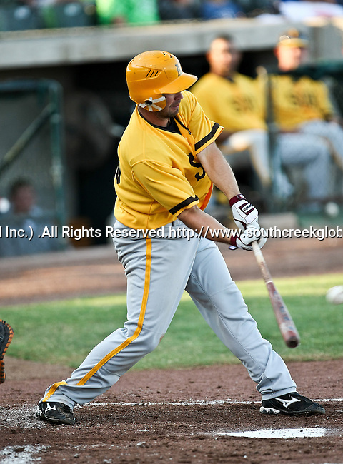 Amarillo Sox Infielder Van Pope (25) in action during the American Association of Independant Professional Baseball game between the Amarillo Sox and the Fort Worth Cats at the historic LaGrave Baseball Field in Fort Worth, Tx. Fort Worth defeats Amarillo 3 to 0......