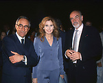 FRANCO CARRARO, MARIA PIA RUSPOLI E SEAN CONNERY<br /> MOSTRA DI MICHELINE ROQUEBRUNE CONNERY AL VITTORIANO ROMA 2001