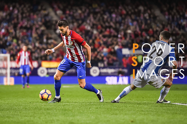 Yannick Ferreira Carrasco of Atletico de Madrid battles for the ball with Aaron Martin of RCD Espanyol during the La Liga match between Atletico de Madrid and RCD Espanyol at the Vicente Calderón Stadium on 03 November 2016 in Madrid, Spain. Photo by Diego Gonzalez Souto / Power Sport Images