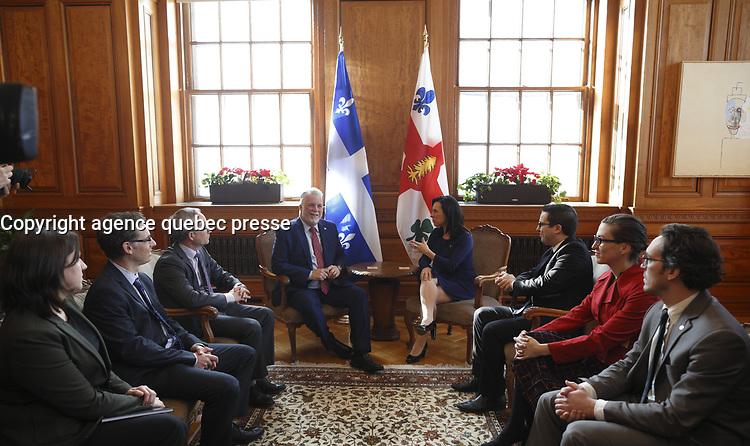 La mairesse de Montreal, Valerie Plante, recoit le premier ministre du Quebec, Philippe Couillard,  le jeudi 18 janvier 2018, a l'Hotel de ville<br /> <br /> PHOTO :  agence quebec presse