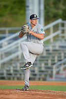 Pulaski Yankees starting pitcher Spencer Mahoney (17) in action against the Danville Braves at American Legion Post 325 Field on August 1, 2016 in Danville, Virginia.  The Yankees defeated the Braves 4-1.  (Brian Westerholt/Four Seam Images)