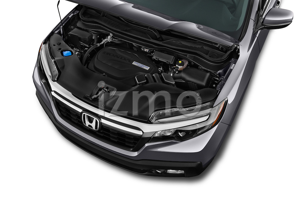 Car Stock 2018 Honda Ridgeline RTL-T 4 Door Pick-up Engine  high angle detail view