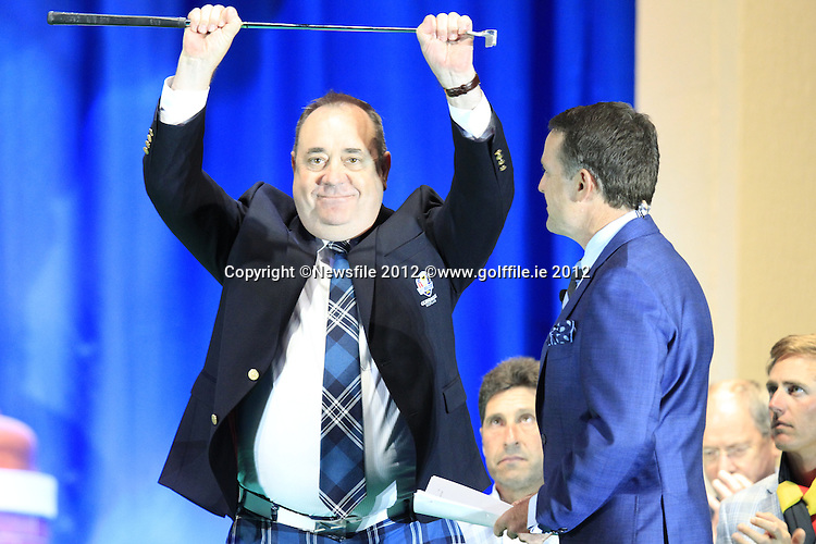 First Minister T.R. Hon Alex Salmond accepts the silver putter from Allen Wronowski, President of the PGA of America, indicating the handover for the 2014 Ryder Cup at Gleneagles, at the Closing Ceremony after Sunday's Singles Matches of the 39th Ryder Cup at Medinah Country Club, Chicago, Illinois 30th September 2012 (Photo Colum Watts/www.golffile.ie)