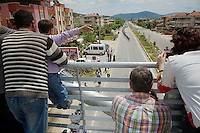 fans greet the peloton going through the town<br /> <br /> Tour of Turkey 2014<br /> stage 6