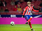 Antoine Griezmann (L) of Atletico de Madrid shoots and scores his fourth goal during the La Liga 2017-18 match between Atletico de Madrid and CD Leganes at Wanda Metropolitano on February 28 2018 in Madrid, Spain. Photo by Diego Souto / Power Sport Images