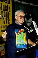 Yvon Deschamps , conference de presse de Juste Pour Rire dans le Vieux-Port, 1995 (date exacte inconnue)<br /> <br /> PHOTO D'ARCHIVE : Agence Quebec Presse