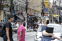 Campinas (SP), 30/11/2020 - Covid-19 - Av Campos Salles. Movimentacao intensa no centro da cidade de Campinas, interior de Sao Paulo, nesta segunda-feira (30). O governador Joao Doria apresenta no Palacio dos Bandeirantes, informacoes sobre o combate ao coronavirus (COVID-19). (Foto: Denny Cesare/Codigo 19/Codigo 19)
