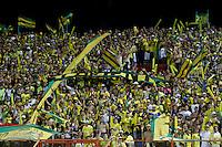 BUCARAMANGA, COLOMBIA - NOVEMBER 27-2015: Hinchas del Atlético Bucaramanga celebran su paso a la primera división del fúbol colombiano Liga Aguila después de siete años en la B al ganar 1 gol por cero a Universitario de Popayán   del torneo Aguila 2015-2 , jugado en el estadio  Alfonso López de Bucaramanga./ Fans of Atletico Bucaramanga celebrate their way to the first division of Colombian Liga Aguila fúbol  after seven years in the B to win by 1 goal to cero of  Universitario of Popayán Aguila 2015-2 tournament, played in the stadium Alfonso Lopez Bucaramanga. Photo:VizzorImage / Duncan Bustamante / contribuidor