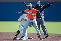 Illinois Fighting Illini outfielder Taylor Jackson (15) is safe after stealing second during the NCAA baseball game against the Michigan Wolverines on March 19, 2021 at Fisher Stadium in Ann Arbor, Michigan. Illinois won the game 7-4. (Andrew Woolley/Four Seam Images)