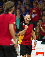 Gent, Belgium, November 27, 2015, Davis Cup Final, Belgium-Great Britain, Second match, Ruben Bemelmans (BEL) is supported by his captain Johan van Herck<br /> Photo: Tennisimages/Henk Koster
