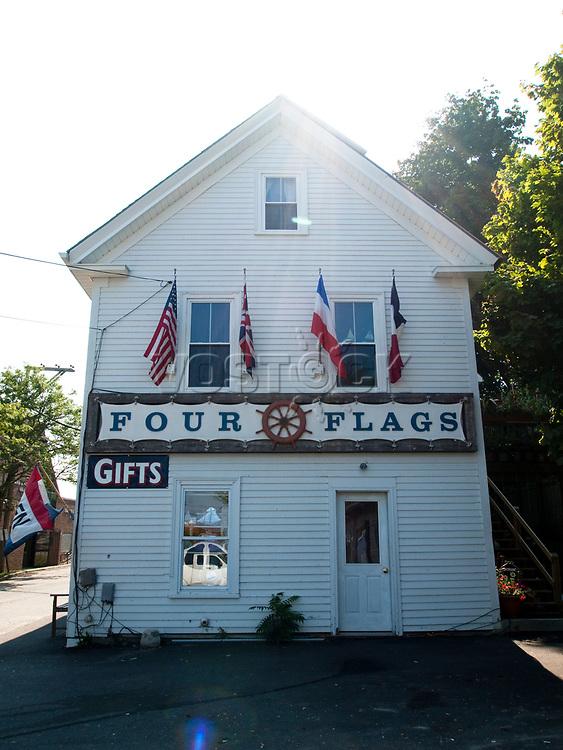 USA, Neuengland, Souvenirshop Four Flags in Castine, 02.09.2010<br /> <br /> Engl.: USA, New England, Castine, souvenir shop Four Flags, exterior view, building, 02 September 2010