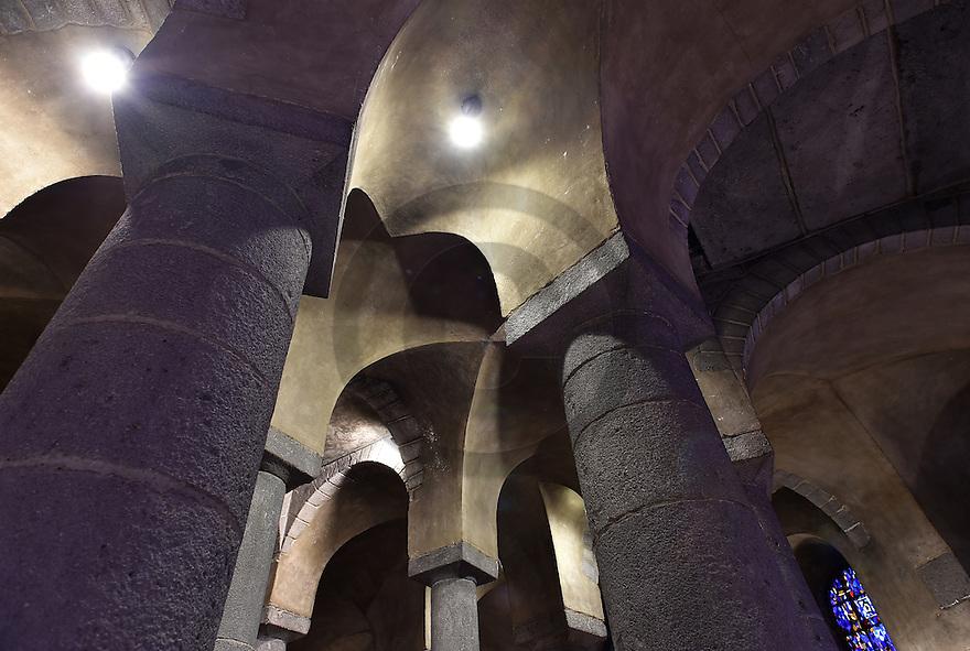 25/08/15 - ORCIVAL - PUY DE DOME - FRANCE - La crypte de la basilique Notre Dame d Orcival - Photo Jerome CHABANNE