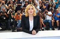 Emmanuelle SEIGNER, photocall pour le film D APRES UNE HISTOIRE VRAIE hors competition lors du soixante-dixième (70ème) Festival du Film à Cannes, Palais des Festivals et des Congres, Cannes, Sud de la France, samedi 27 mai 2017. Philippe FARJON / VISUAL Press Agency