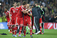 25.05.2013, Wembley Stadion, London, ENG, UEFA Champions League, FC Bayern Muenchen vs Borussia Dortmund, Finale, im Bild Mario MANDZUKIC (FC Bayern Muenchen - 9) - Arjen ROBBEN (FC Bayern Muenchen - 10) liegen sich in den Armen nach dem Sieg im Champions League Finale mit 2-1 gegen Borussia Dortmund // during the UEFA Champions League final match between FC Bayern Munich and Borussia Dortmund at the Wembley Stadion, London, United Kingdom on 2013/05/25. EXPA Pictures © 2013, PhotoCredit: EXPA/ Eibner/ Gerry Schmit<br /> <br /> ***** ATTENTION - OUT OF GER ***** <br /> 25/5/2013 Wembley<br /> Football 2012/2013 Champions League<br /> Finale <br /> Borussia Dortmund Vs Bayern Monaco <br /> Foto Insidefoto