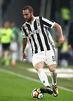 Calcio, Serie A: Juventus - Napoli, Torino, Allianz Stadium, 22 aprile, 2018.<br /> Juventus' Gonzalo Higuain in action during the Italian Serie A football match between Juventus and Napoli at Torino's Allianz stadium, April 22, 2018.<br /> UPDATE IMAGES PRESS/Isabella Bonotto